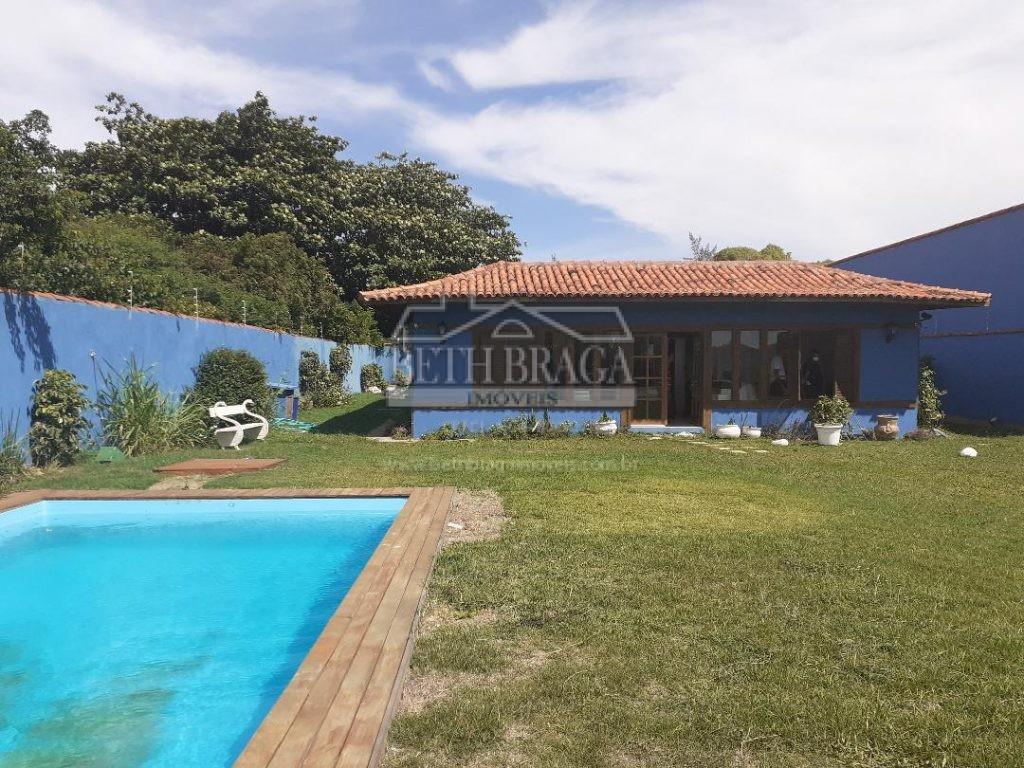 Bela Casa com Piscina a menos de 50 Metros da Areia da Praia!